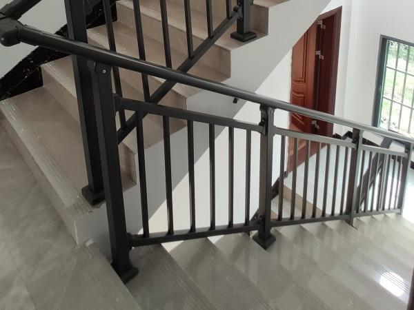 楼梯扶手种类分类