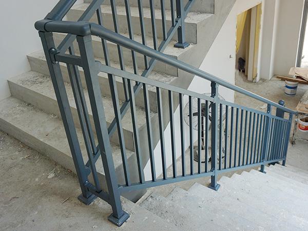 楼梯扶手用途
