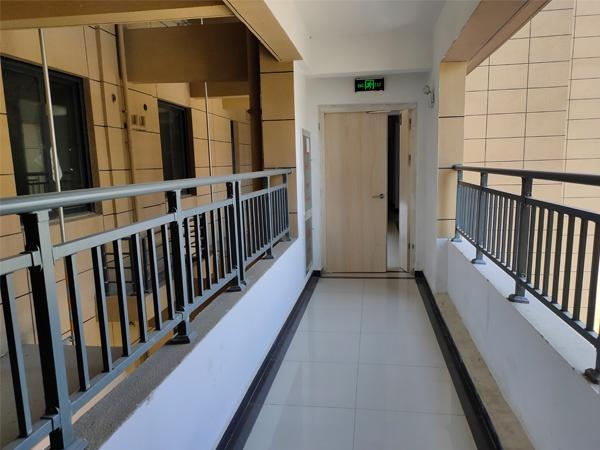 走廊阳台护栏
