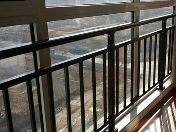 落地窗阳台护栏