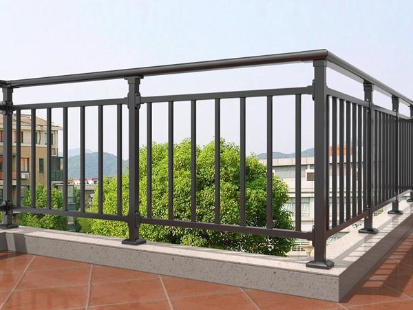 <b>锌钢阳台护栏</b>
