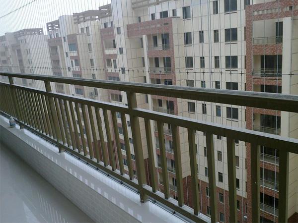 阳台栏杆多少钱一米?