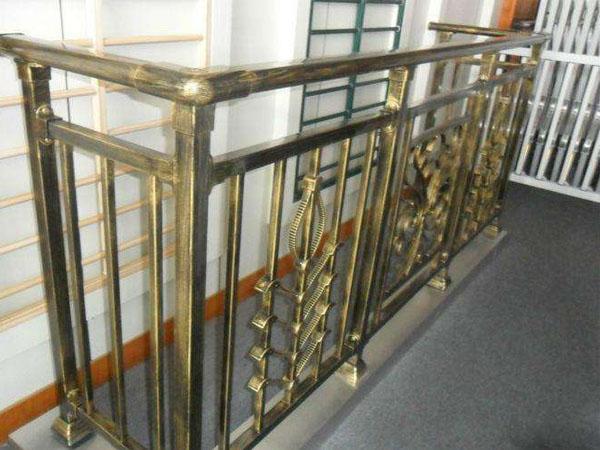 阳台栏杆的有哪些材质?