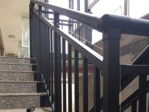 学校楼梯护栏