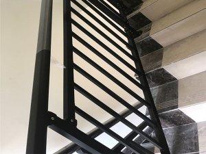 办公楼楼梯护栏