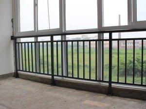 阳台窗户护栏