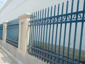 哪里可以定制围墙护栏?