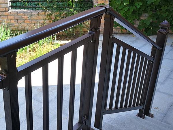 楼梯扶手国家标准高度是多少?