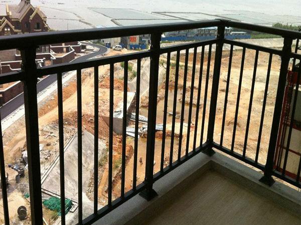 影响阳台护栏价格的因素有那些?