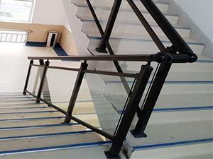 玻璃铝合金楼梯扶手