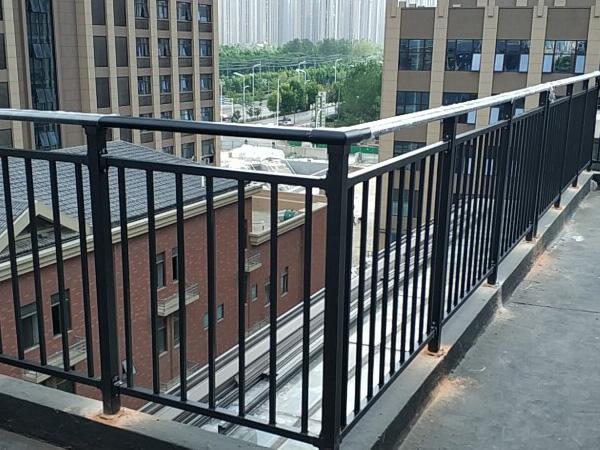 选购阳台护栏有哪些注意事项?