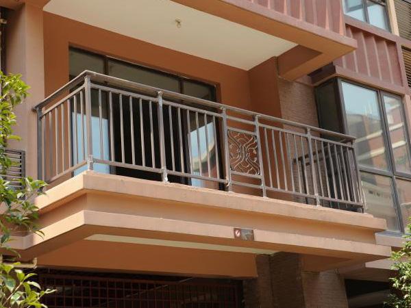 阳台护栏材质可以分多少种?