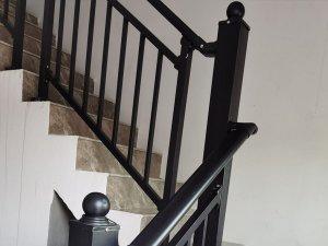 楼梯扶手颜色