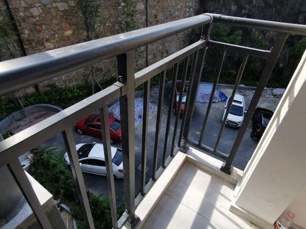 阳台护栏特点