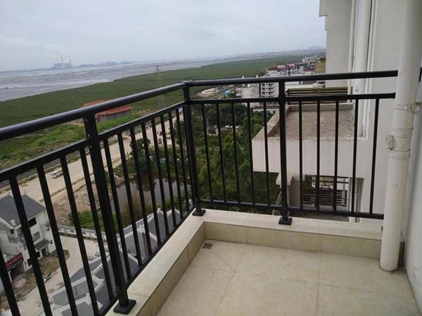 阳台护栏的功能及作用