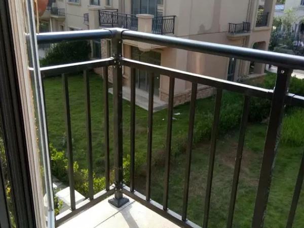 阳台护栏安装指南