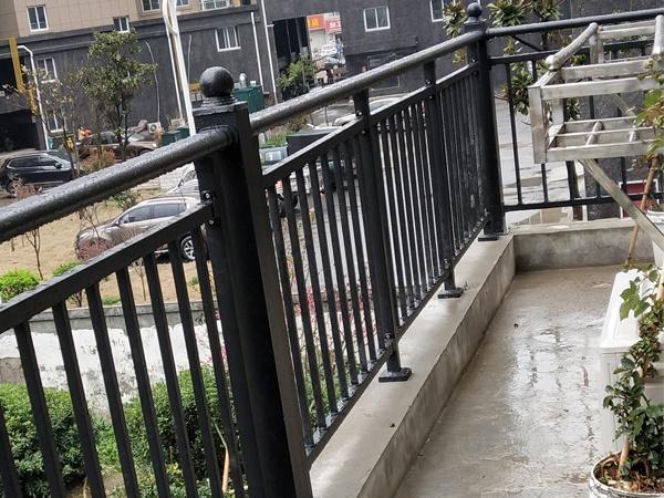 阳台护栏价格计算方法