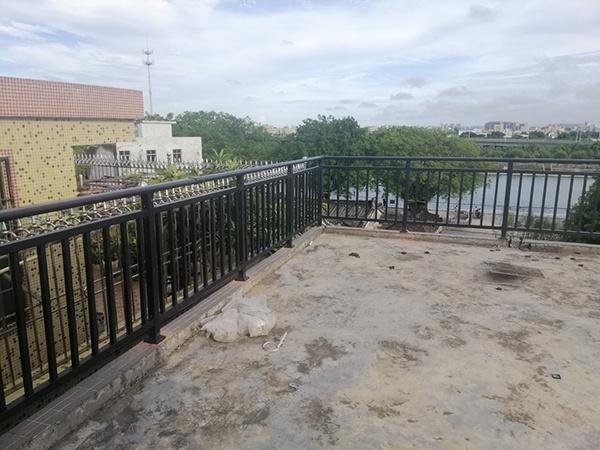 阳台护栏定制定做注意事项