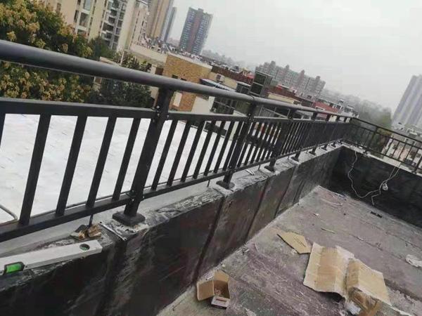 阳台护栏采购方法