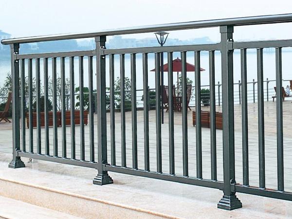 阳台护栏选购技巧