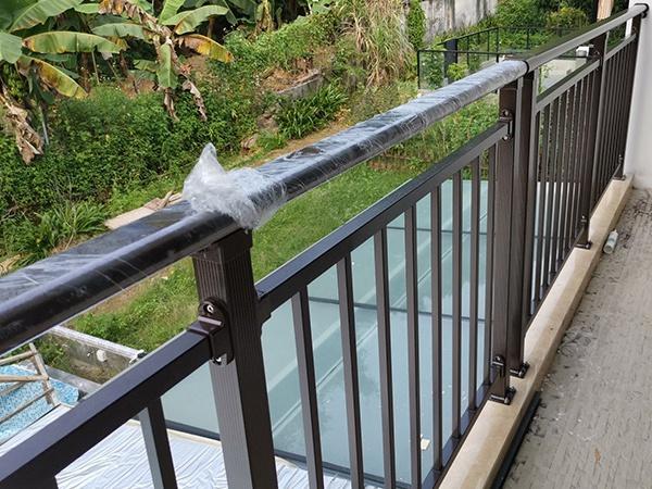 阳台护栏的表面处理方式有哪些?