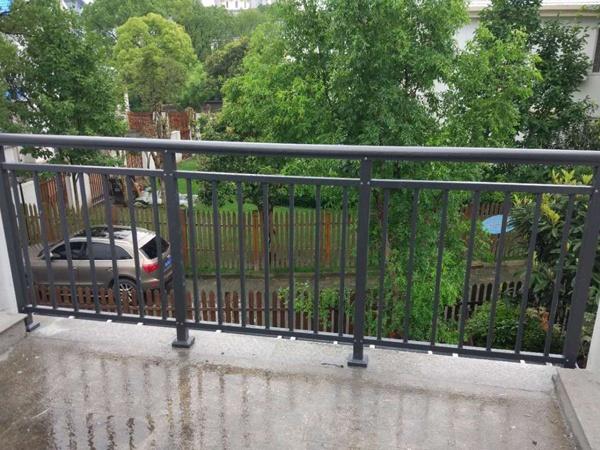 阳台护栏哪里可以定制?