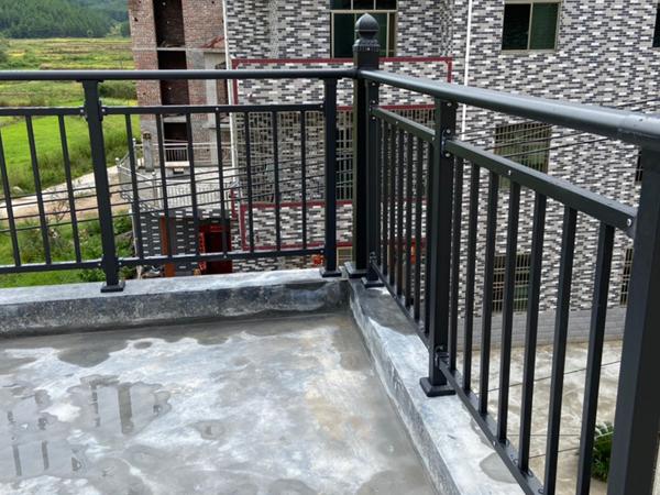 阳台护栏厂家哪家口碑好?