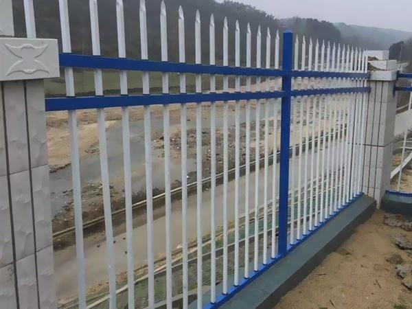 什么是锌钢围栏?