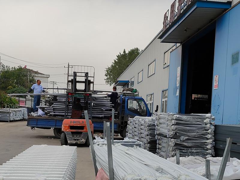金用护栏2020年9月21日锌钢飘窗护栏发货!