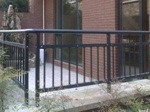 护栏维护保养方法与技巧
