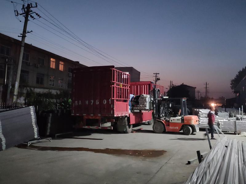 金用护栏2020年10月23日锌钢阳台护栏发货!