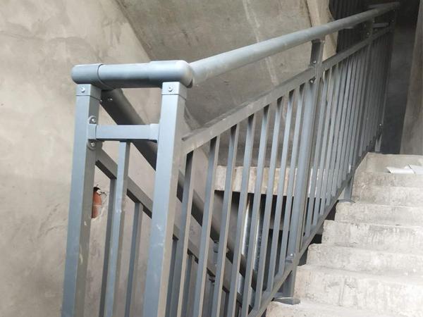 楼梯扶手定做到安装要多长时间?