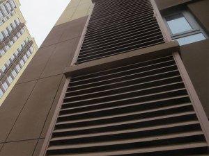 百叶窗是用锌钢的好还是铝合金的好?