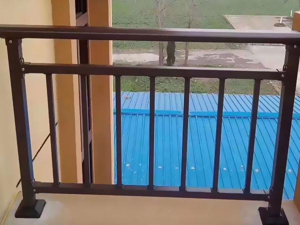 阳台护栏定制指南
