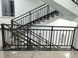 楼梯扶手哪种便宜?