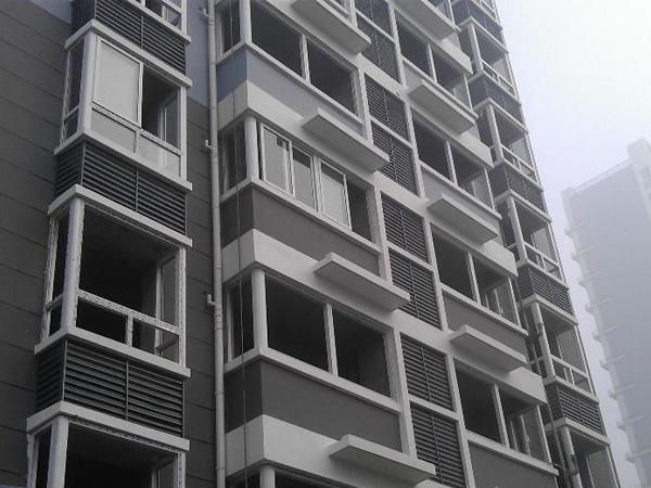 百叶窗什么材质的比较适合建筑工程上用?