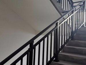 锌钢楼梯扶手为什么那么受欢迎?原因在这里!