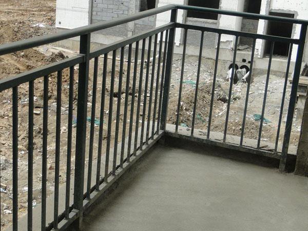 锌钢护栏定制需要注意什么?
