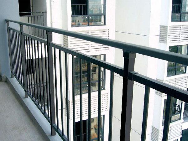锌钢护栏一般能用多久?