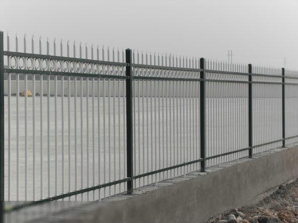 如何判断锌钢护栏的优劣?