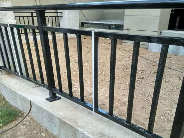 锌钢护栏使用寿命
