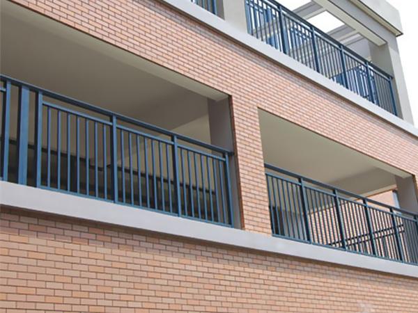 锌钢护栏高度国家标准规范要求
