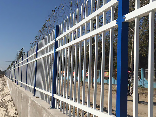 如何辨别锌钢护栏质量的好坏?
