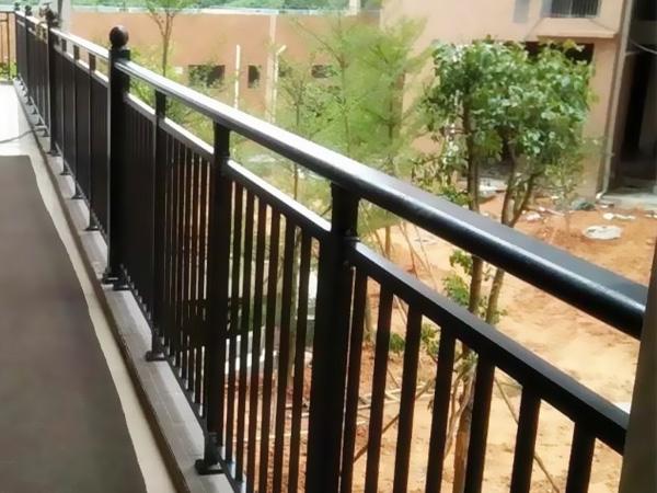 锌钢护栏可以用到哪些地方?