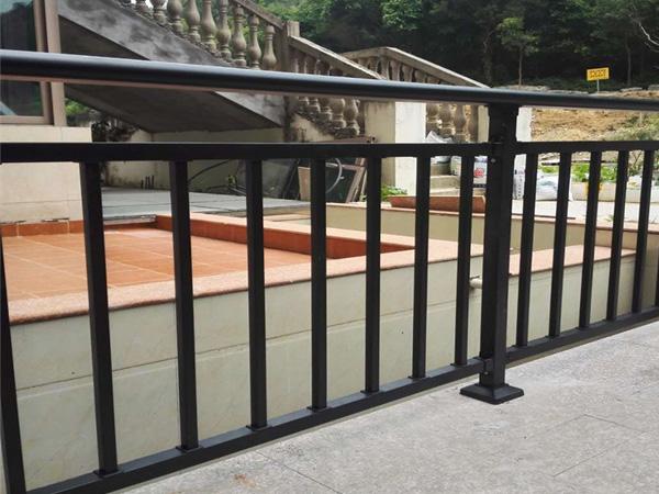 锌钢护栏有哪些类型?