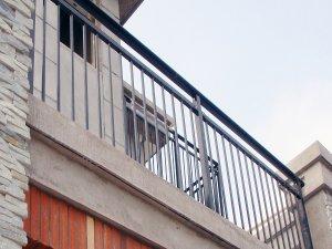 阳台护栏一般多高比较合适?