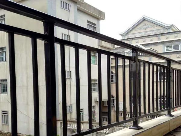 阳台护栏哪家价格便宜?