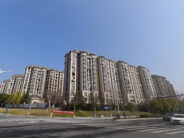 南京融侨观邸小区百叶窗、楼梯扶手定制