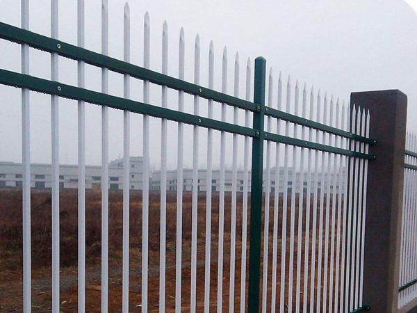 锌钢围栏与铁艺围栏哪个好?