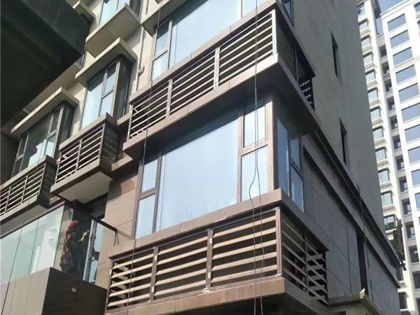 建筑百叶窗固定形式类型